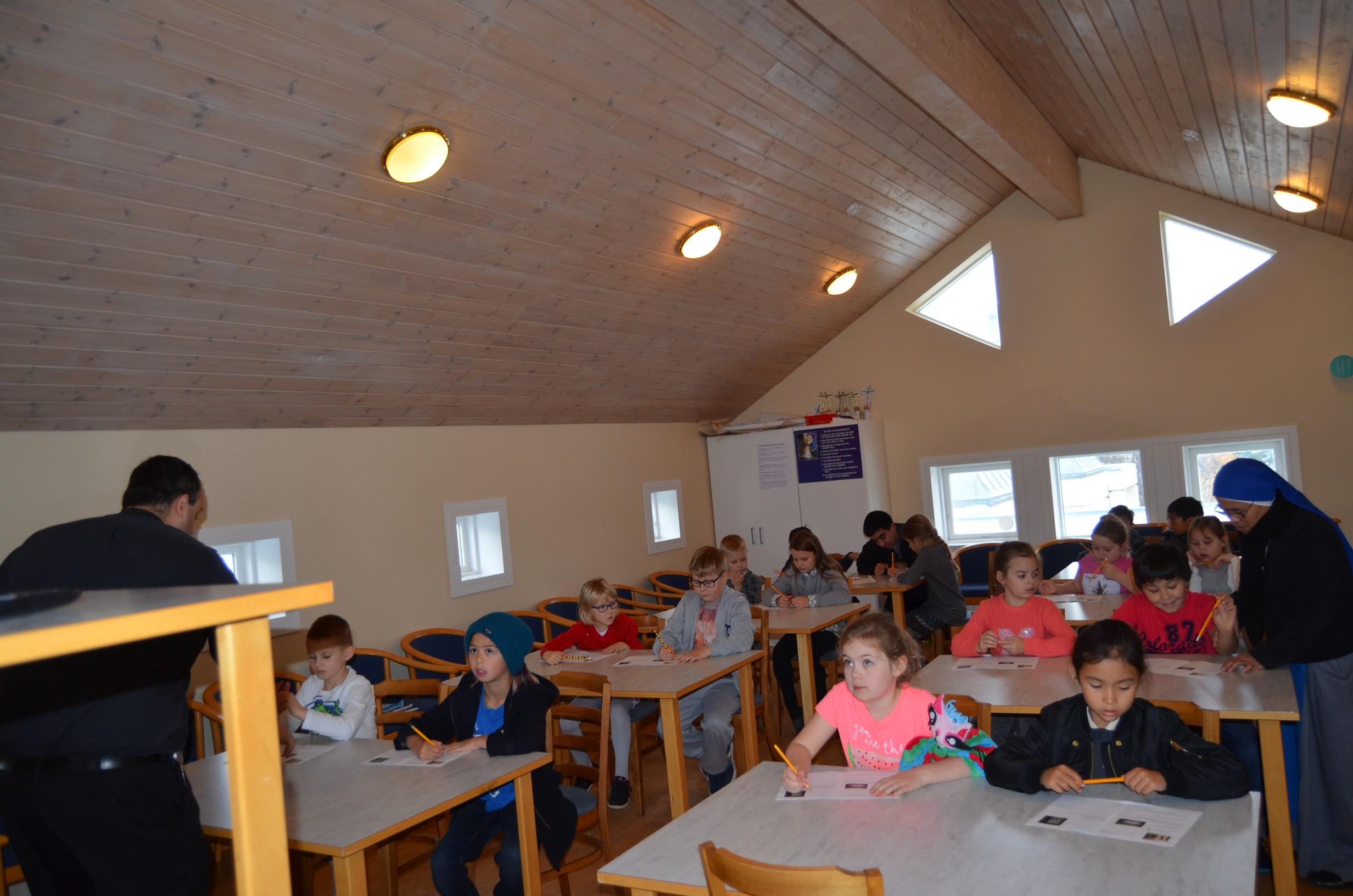 IVE-SSVM-Retreat-Comunion-kids-Iceland2