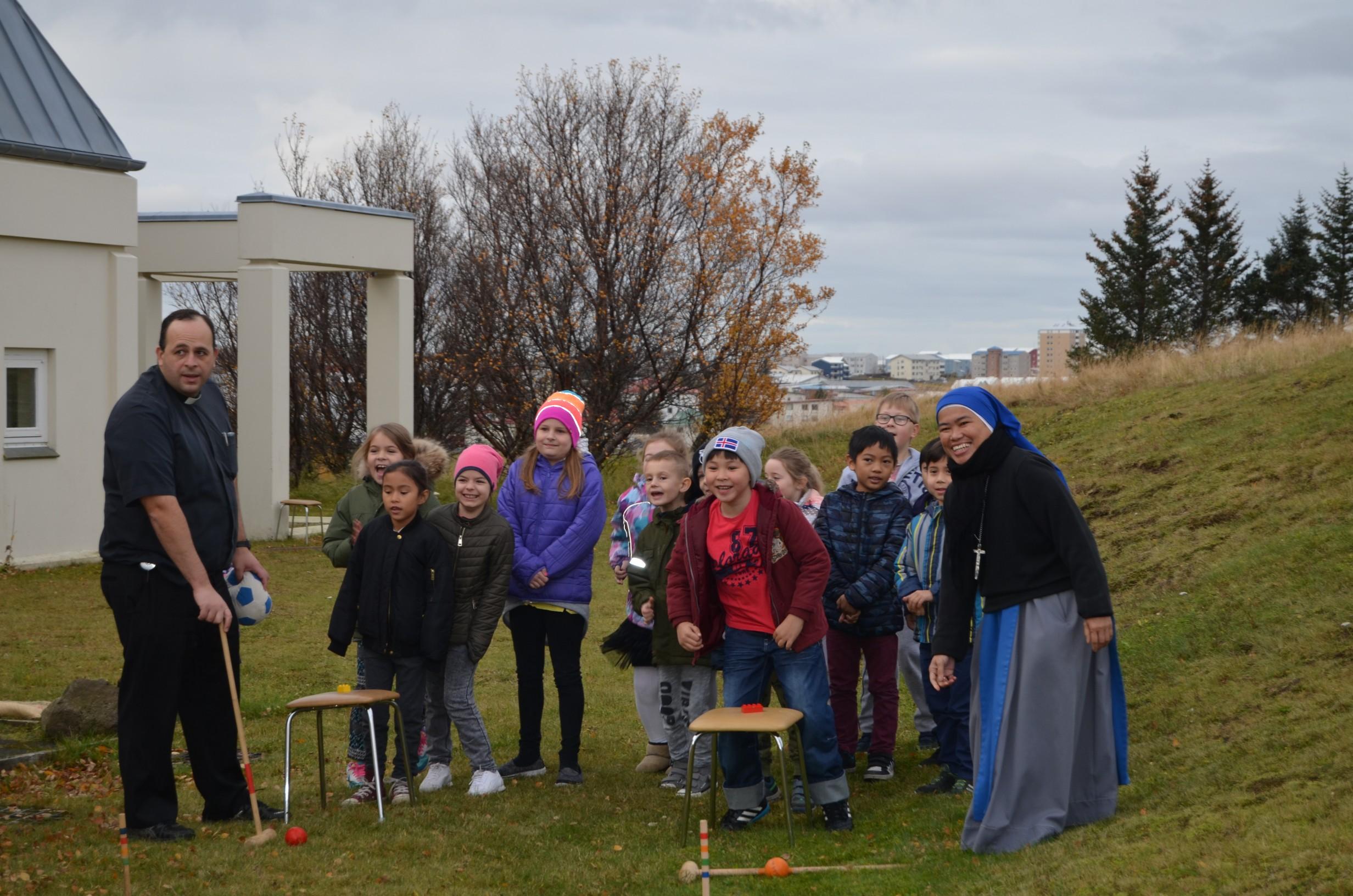 IVE-SSVM-Retreat-Comunion-kids-Iceland6