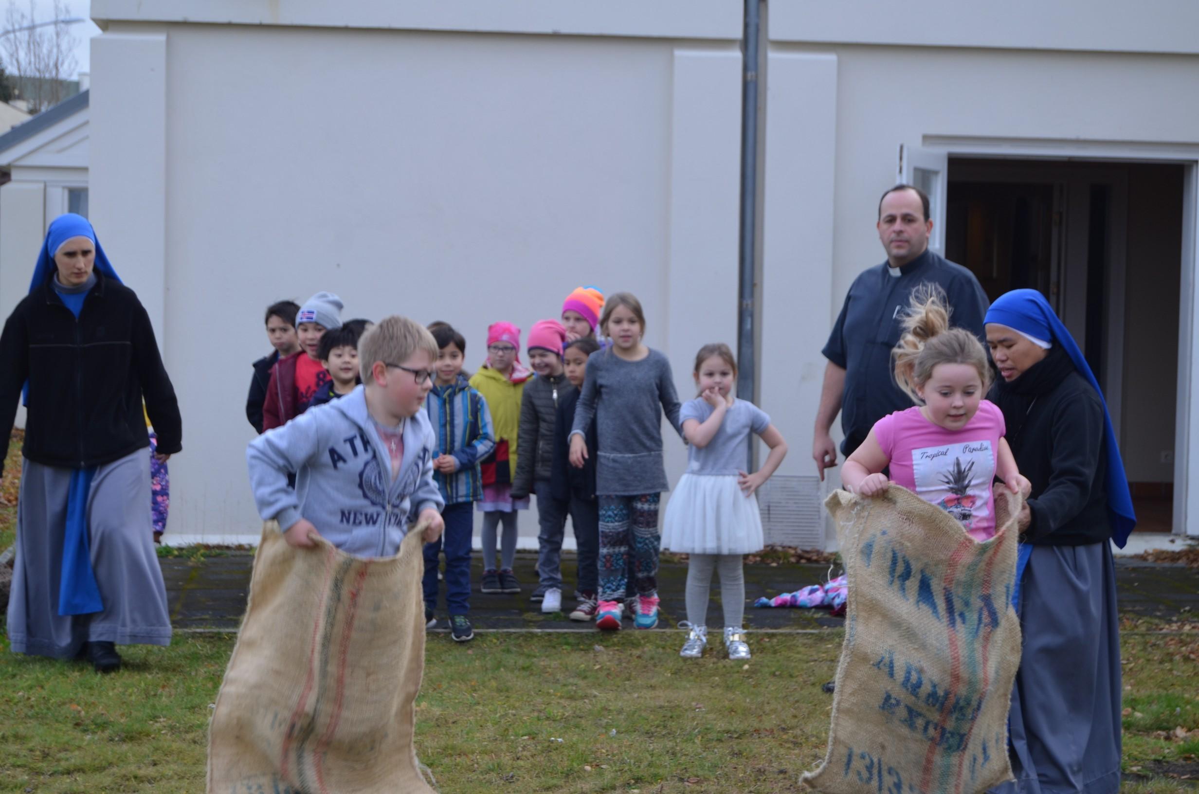 IVE-SSVM-Retreat-Comunion-kids-Iceland7