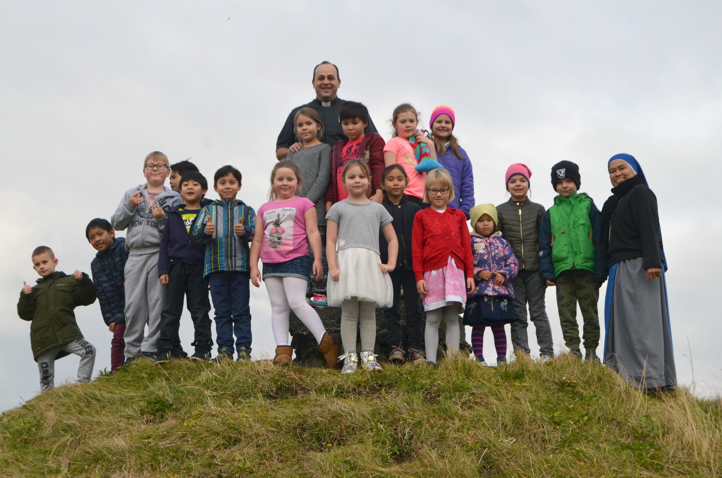 IVE-SSVM-Retreat-Comunion-kids-Iceland8